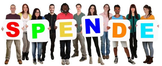 Lachende Gruppe junge Leute People multikulturell halten Wort Spende Freisteller